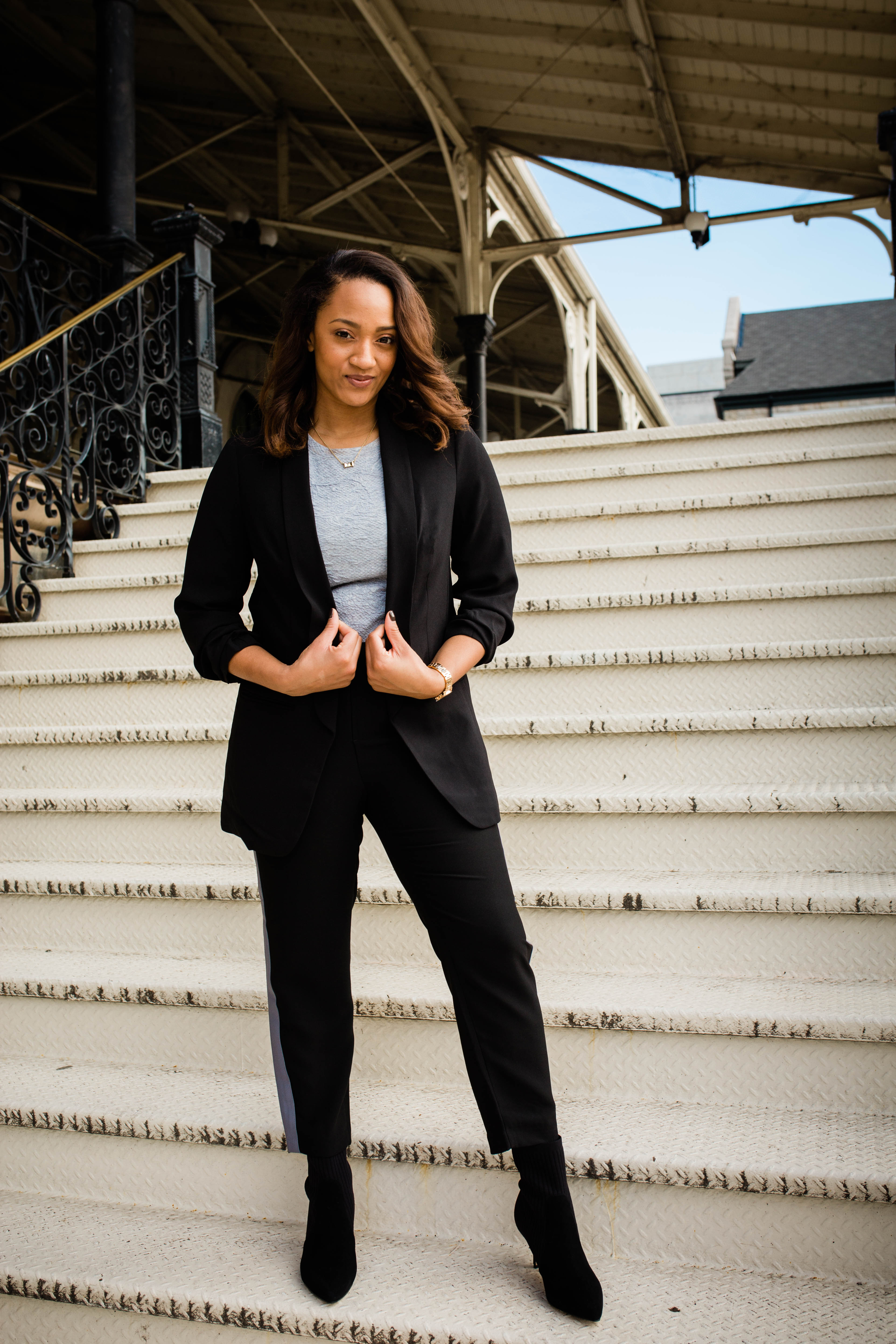 Business_Casual_Outfit_Ideas_Scales_of_Style